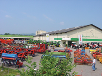 Stock site Lagerhaus Technik-Center GmbH & Co KG company