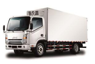 new JAC Изотермический фургон с ХОУ JAC N 80 refrigerated truck